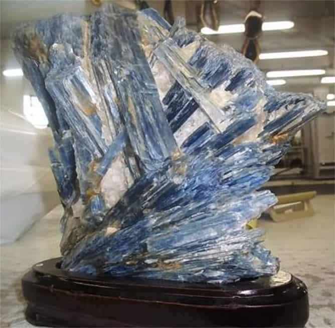 Piedra selenita azul